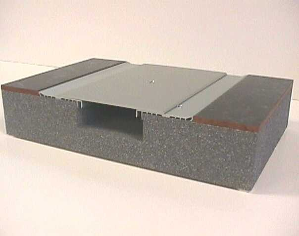 Interior floor joints bas seismic expansion